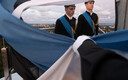 21. kooli õpilased heiskasid Pika Hermanni torni lipu.