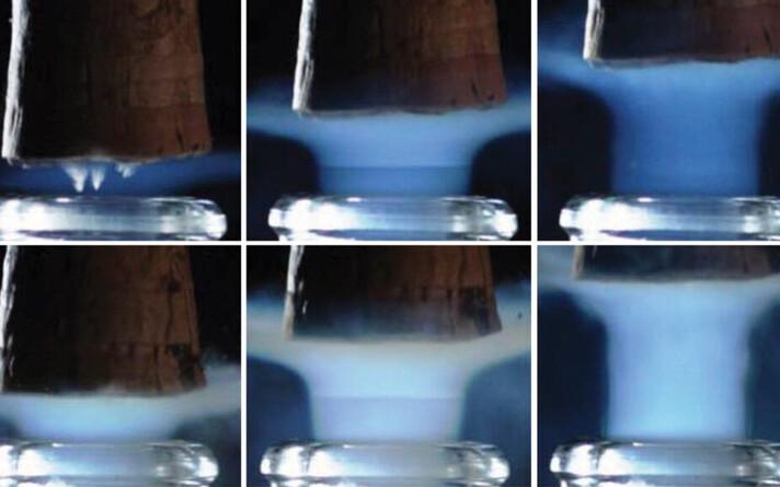 Teadlased filmisid šampanjapudeli avamist kiirkaameraga.