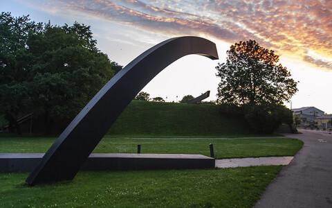 Монумент в память погибших на пароме