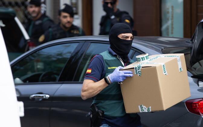 Politsei haarang Kataloonia separatistide vahistamiseks.