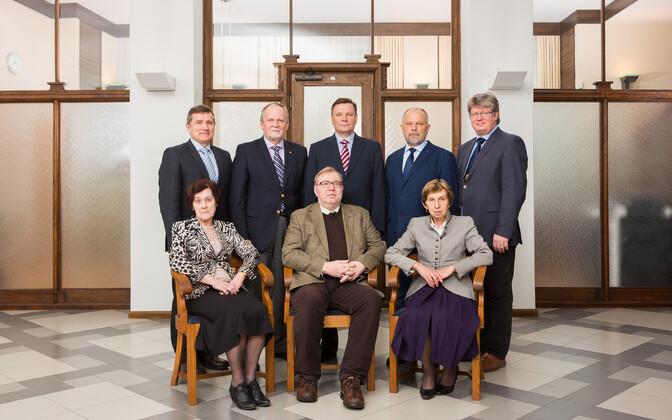 Члены совета Банка Эстонии: Урмас Варблане, Калев Калло, Яанус Тамкиви, Энн Листра,  Рейн Минка (стоят в первом ряду), Лийна Тыниссон, Март Лаар, Кайе Керем (сидят во втором ряду).