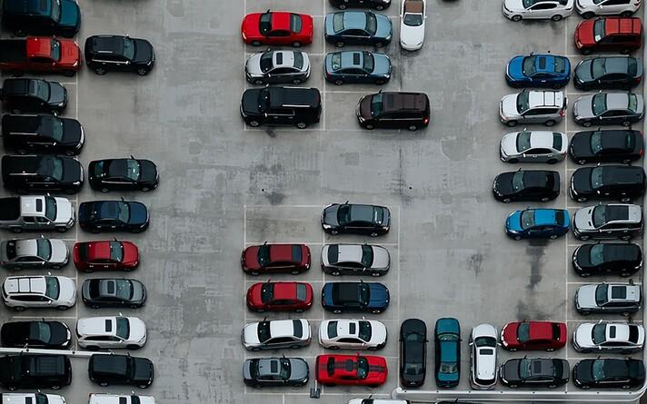 Arvutuste järgi tuleks parkida esimesele vabale kohale.