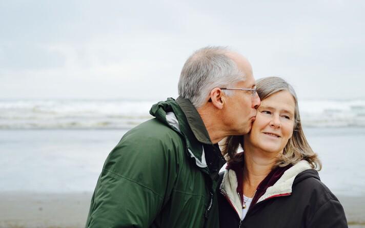 Vanemaealiste hea tervise jaoks on vaja häid lähisuhteid.