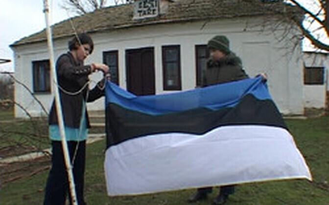 Katkend filmist, kus Krimmi Eesti Taret enne kordategemist näidati.