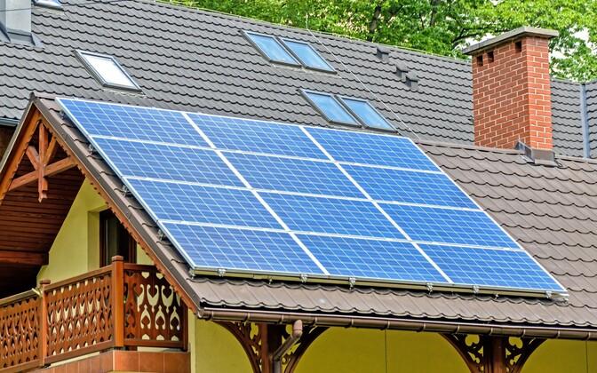 Предприятие Eesti Energia утверждает, что установка и покупка солнечных панелей полностью окупаются за 11 лет.
