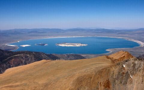 Vaade Mono järvele.