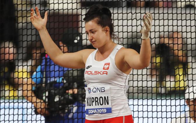 Pettunud Malwina Kopron vasaraheite kvalifikatsioonis.