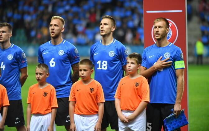 Рагнар Клаван (крайний справа) не поможет сборной Эстонии в ближайших поединках.