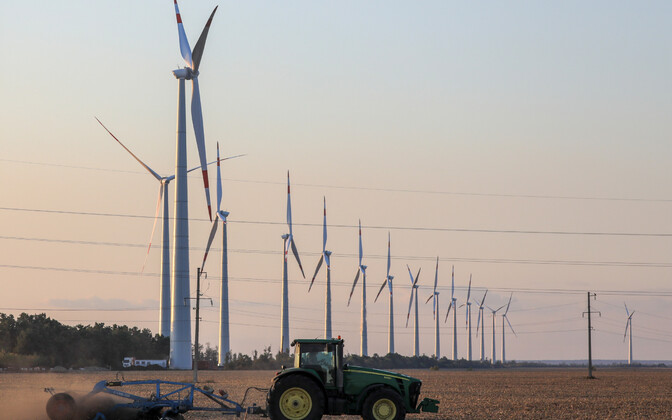 Climate neutrality requires new wind farms and curbing of greenhouse gas emissions from agriculture