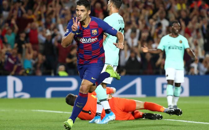 Luis Suareze kaks väravat tõid Barcelonale võidu.