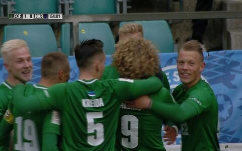 Tallinna FC Flora mängijad tähistamas Mihkel Ainsalu väravat
