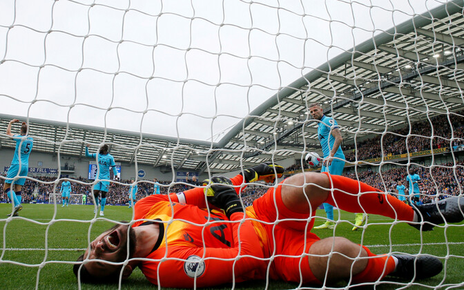 Hugo Lloris mängus Brightoniga
