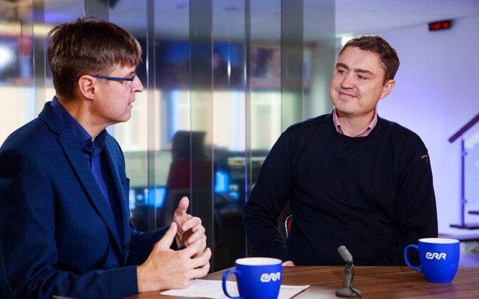Taavi Rõivas (right) on the Otse uudistemajast program