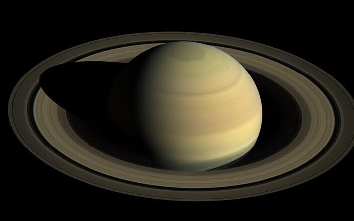 Värske loenduse kohaselt on Saturn kõige kuurikkam Päikesesüsteemi planeet.