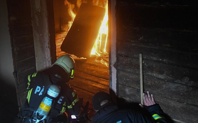 Tulekahju. Foto on illustreeriv,