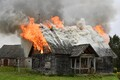 Päästjad põletasid Aluveres õppuse eesmärgil maja maha.