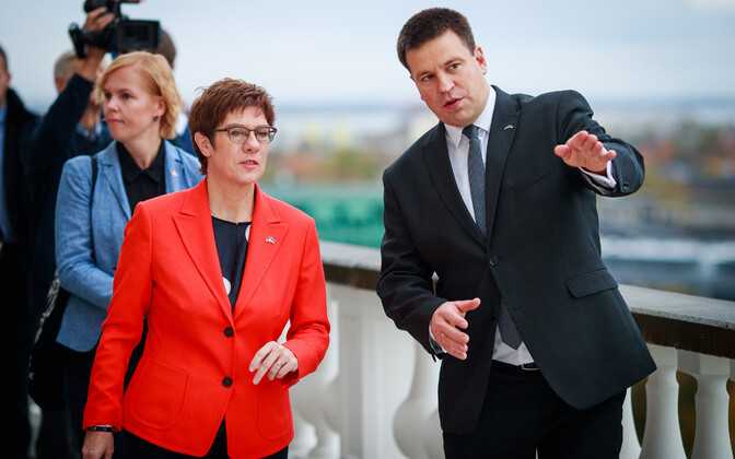 Prime Minister Jüri Ratas meets with German Defense Minister Annegret Kramp-Karrenbauer.