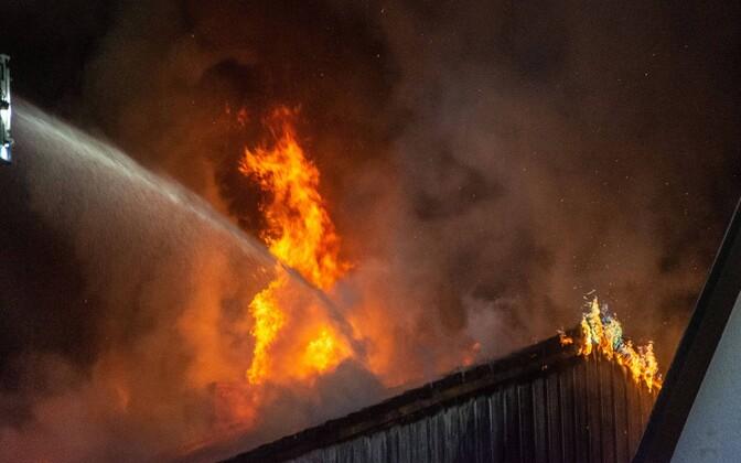 В Иллука горел дом. Иллюстративная фотография.