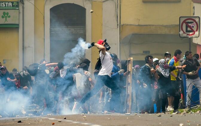 Protestijad Ecuadori pealinnas.