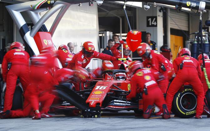 Charles Leclerc ja Ferrari meeskond