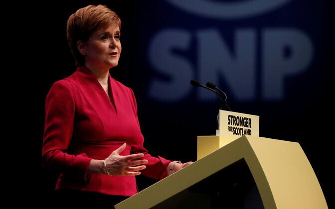 Šoti esimene minister Nicola Sturgeon 15. oktoobril kõnet pidamas.