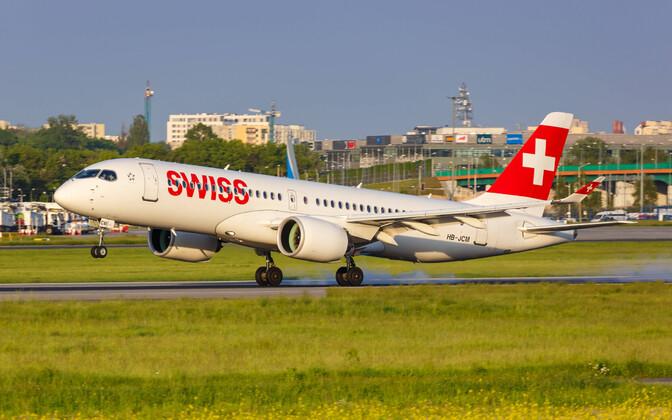 Самолет Airbus A220 авиакомпании Swiss.