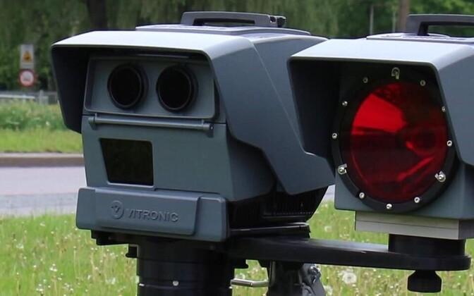 В Эстонии используется восемь портативных камер контроля скорости.
