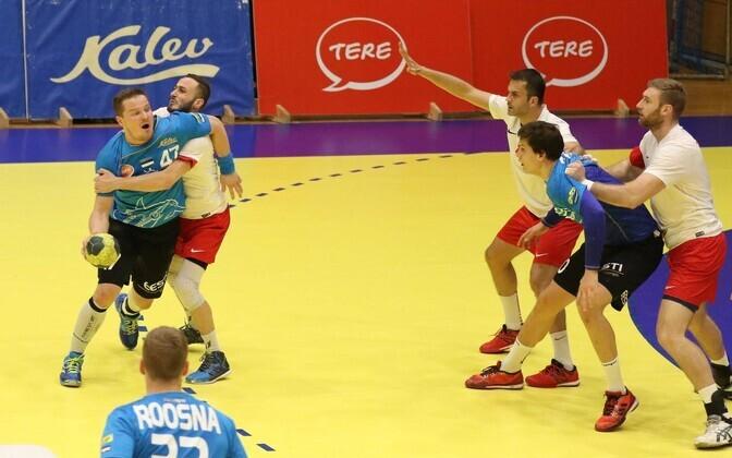 Kristo Voika (vasakul) ja Armi Pärt mäletavad, et 2017. aastal Türgis mängides sai Eesti magusa võidu.