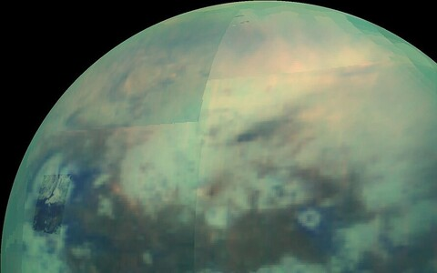 Luidete loojaks võib olla kosmiline kiirgus, mis on pommitanud Titani pinnal atsetüleenjääd.