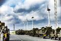 Briti sõjatehnika saabus Emdeni sadamasse.