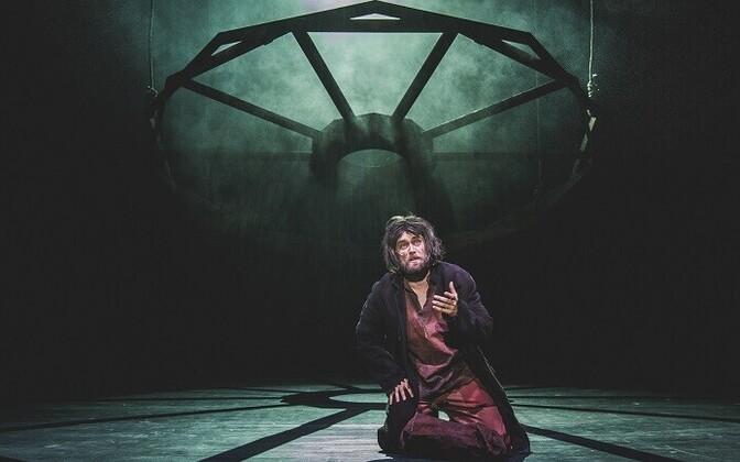 Mikk Saar Jean Valjeani rollis Vanemuise muusikalis