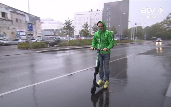 Bolt electric scooter in use in central Tallinn. The scooters are to disappear from the streets until next spring.