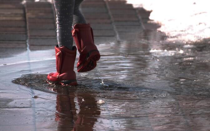 Возможны кратковременные дожди.