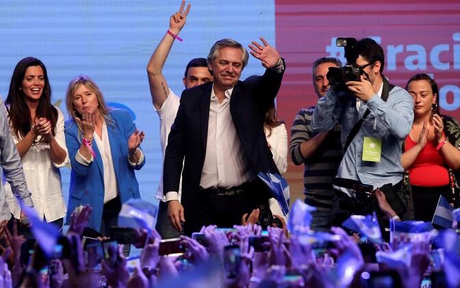 Alberto Fernandez valimisvõitu tähistamas.