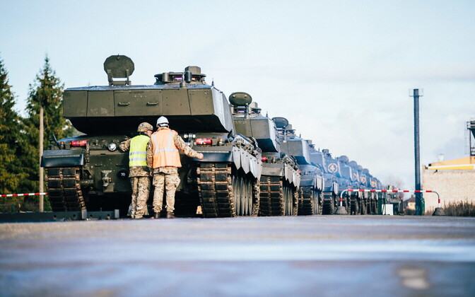 Briti relvajõudude uus tehnika jõudis Tapale