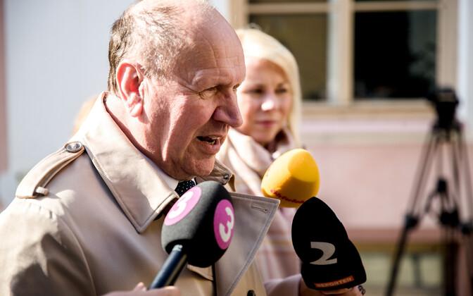 Март Хельме представит кандидата на пост министра внешней торговли и коммуникаций, когда из рабочей поездки из США вернется премьер-министр Юри Ратас.