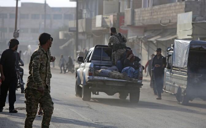 Türgi toetatud Süüria võitlejad Tal Abyadi linnas.