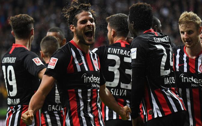 Frankfurdi Eintrachti meeskond tähistamas 5:1 võitu Müncheni Bayerni üle