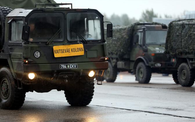 Колонны Сил обороны передвигаются со скоростью до 70 км/час.