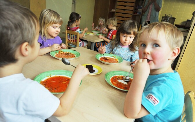 Kindergarten meals in Tallinn are to be free next year (picture is illustrative).