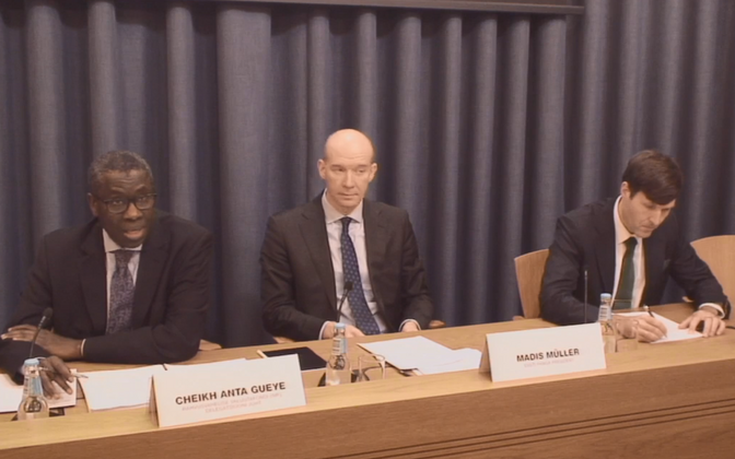 Cheik Anta Gueye of the IMF, with Bank of Estonia chief Madis Müller, and finance minister Martin Helme (EKRE) at Monday morning's press conference.