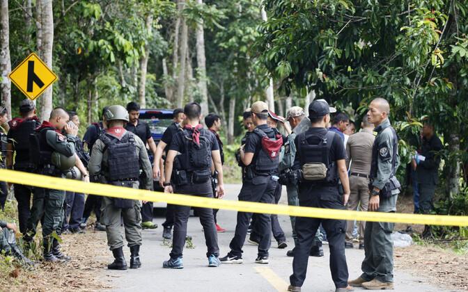 Tai võimuesindajad sündmuskohal Yala provintsis 6. novembril.