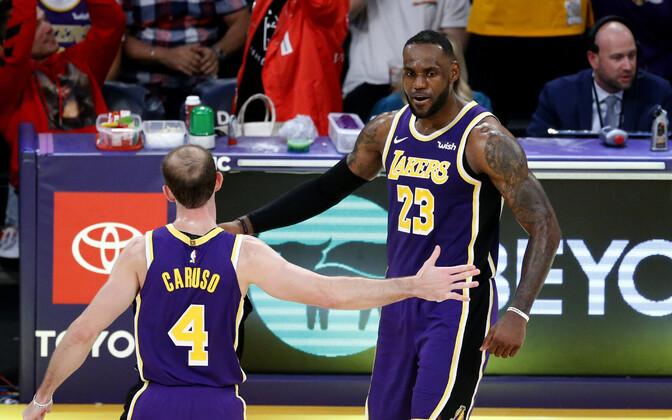 Alex Caruso ja LeBron James
