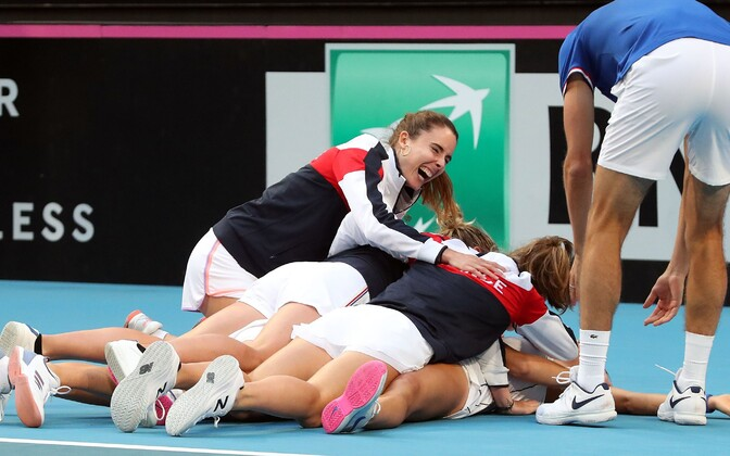 Prantsusmaa tennisenaiskond Fed Cupi võidu järel