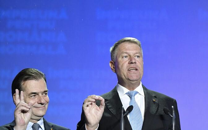 Rumeenia president Klaus Iohannis (paremal) ja peaminister  Ludovic Orban.