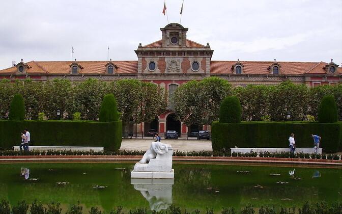 Здание парламента Каталонии.
