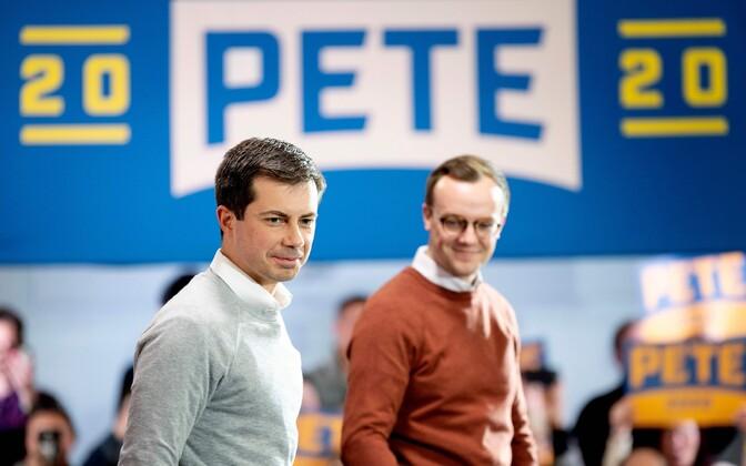 Pete Buttigieg abikaasaga (paremal).