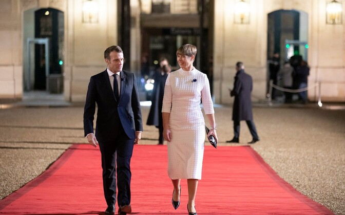 Emmanuel Macron and Kersti Kaljulaid in Paris.