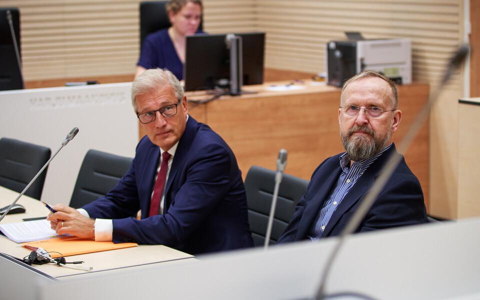 Aivar Pilv ja Mati Alaver kohtusaalis.