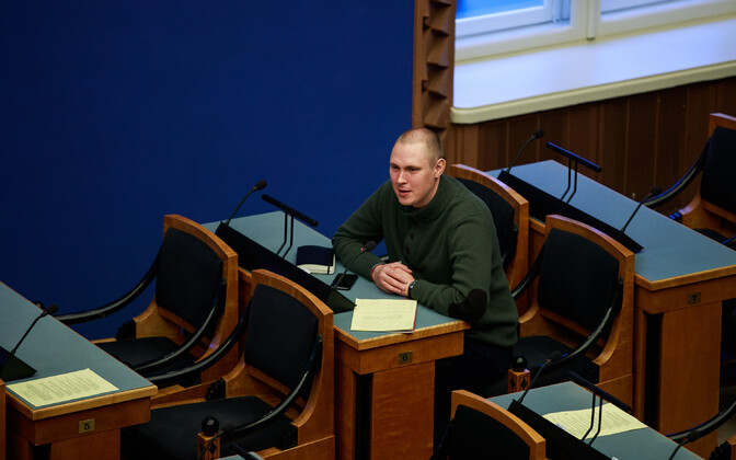Raimond Kaljulaid sits both on Tallinn City Council and, pictured here, at the Riigikogu.